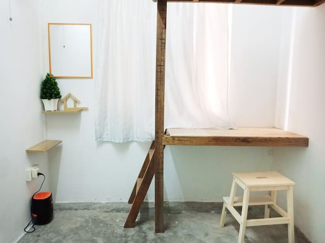 Serdang Foodie.Private room 1-2pax DesaTanjungApt