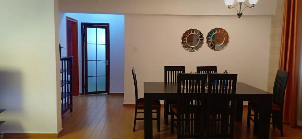 BEAUTIFUL, PRIVATE SECURE &COZY APARTMENT FOR YOU!