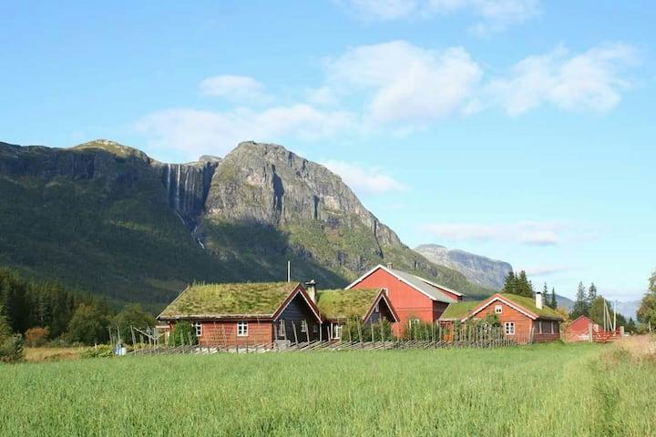 Hemsedal - trivelig Hallingstugu på Søre Hjelmen