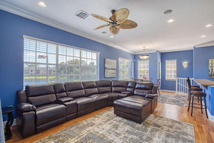 Blue Haven Penthouse, 3BR, 2BA