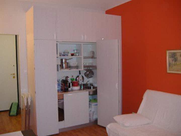 wonderful studio flat in the city center