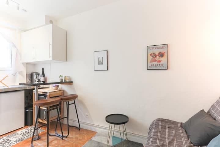 cute flat - studio in authentic Paris neighborhood