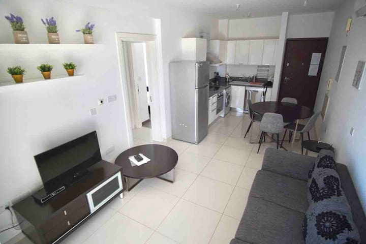 2 BEDROOM MODERN APARTMENT price reduced by 40%