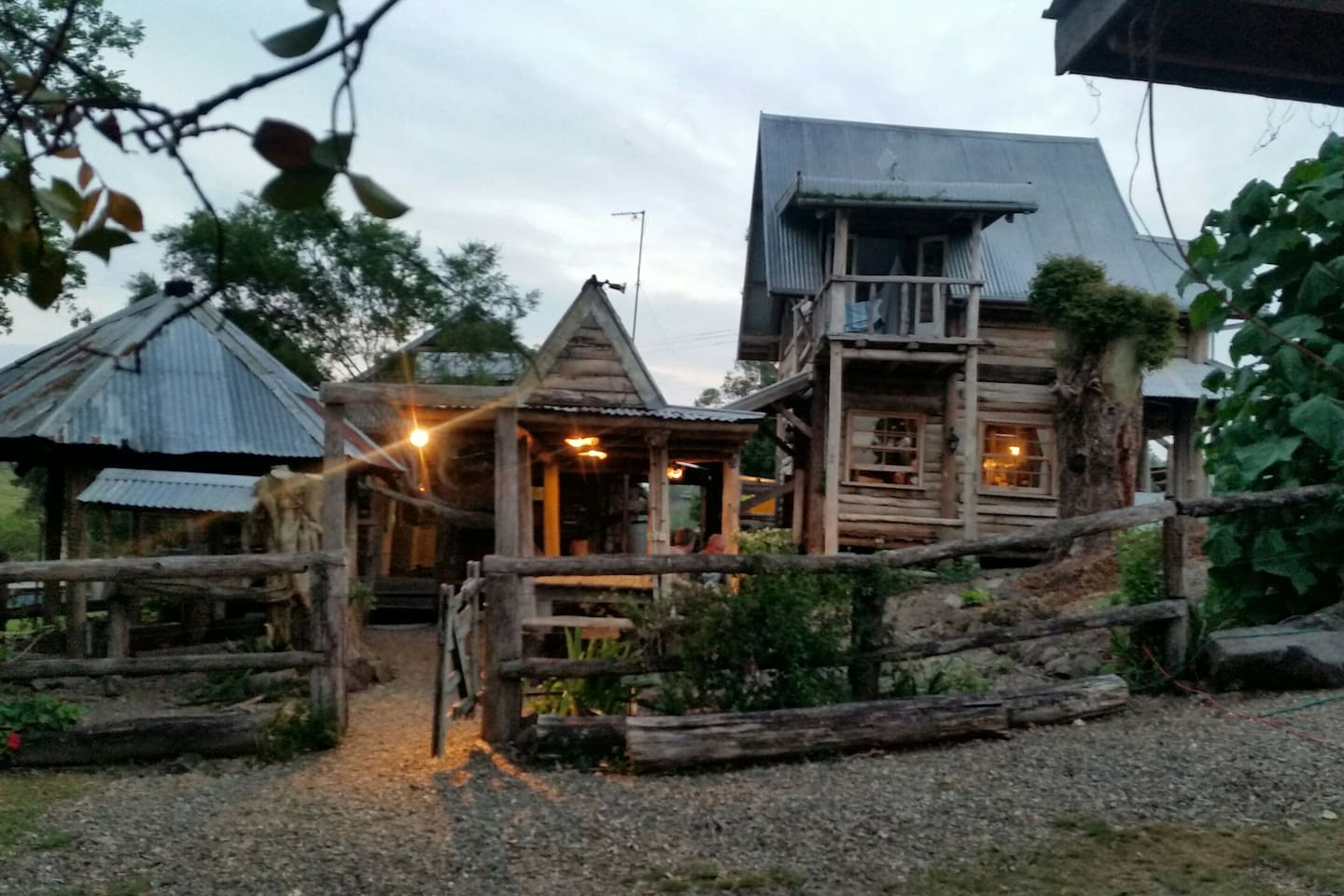 Your getaway. Cabins, outdoor fire pit, entertainment area