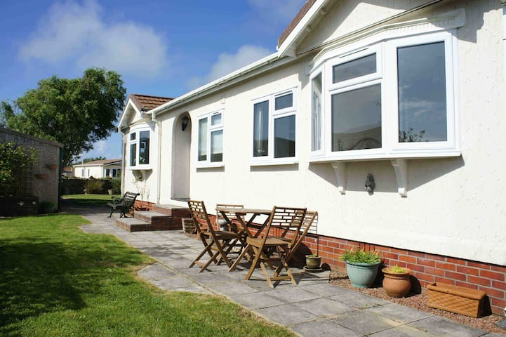 Beautiful cosy bungalow near beach - Cornwall - Bungalow
