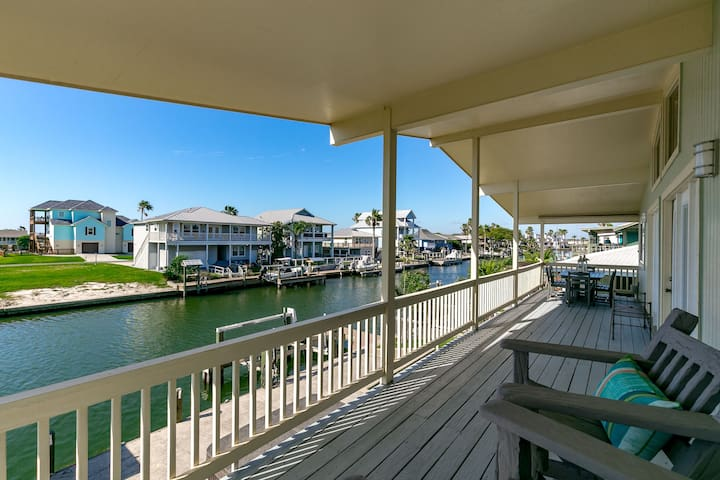 Canal-front House w/ Hot Tub, Dock - City by the Sea - House