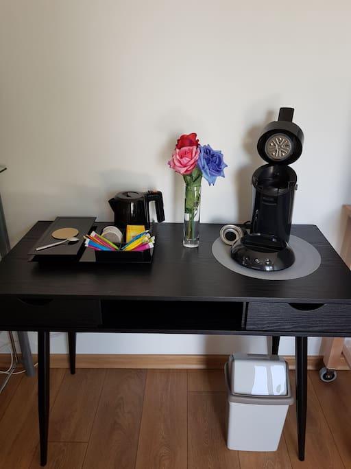 Plateau d'accueil en chambre, pause café