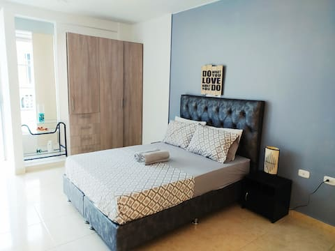 Modern and central studio apartment with Garaje-Netflix