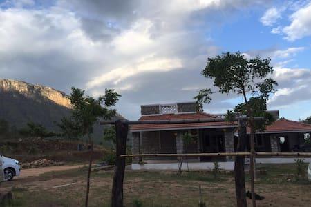 Eco Vydhegi Hill view bungalow,Cbe - Booluvampatti