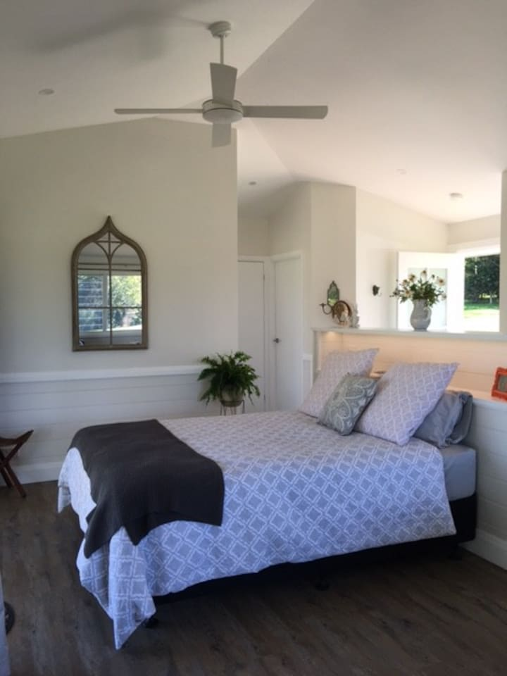 Byron Country Coastal Chic - open plan/high ceiling designed to capture views from bed and bathroom