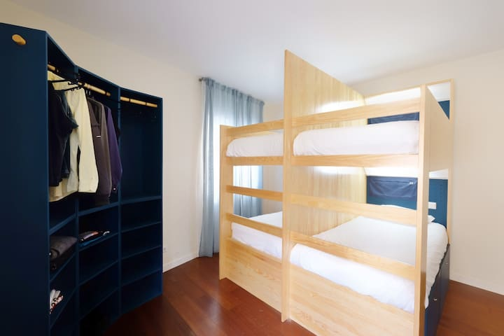 Mix Dorm with Shared Bathroom