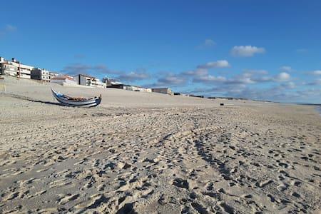 Beau 4 pièces tout confort - Praia de Mira - 独立屋