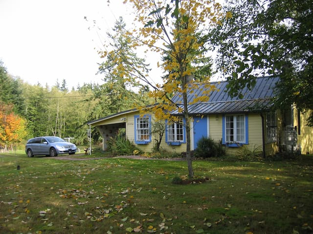 Artist's Cottage on Whidbey Island - Greenbank - Cabin