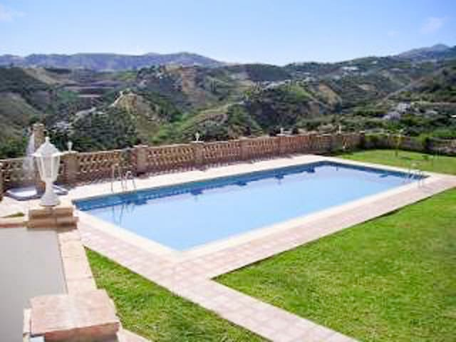 Andalusian studio w/ fabulous pool