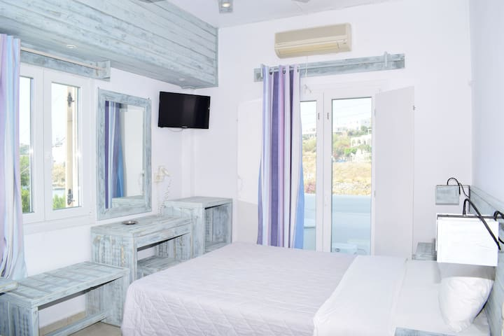 Beach Front - Private Room - Sea View