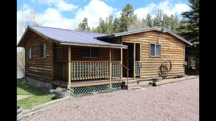 Big Bear Cabin at White Mountain Lodge