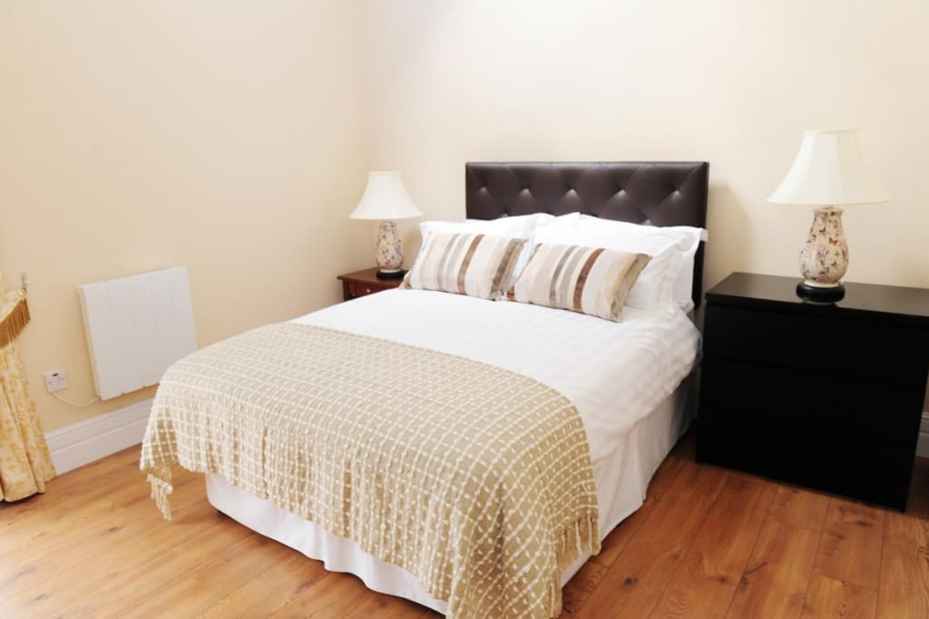Double Bed in the Mews Cottage