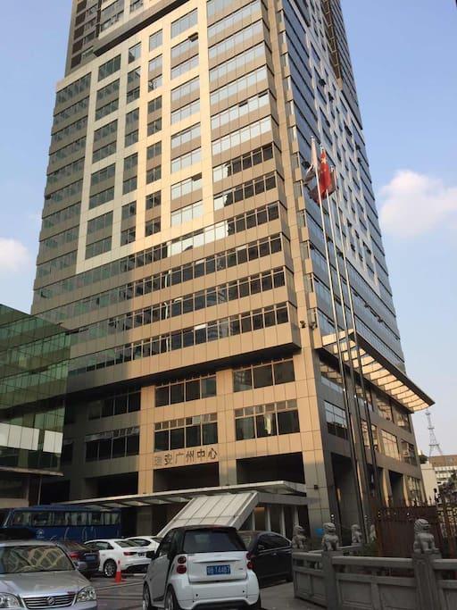 广州的最中心,喧哗的城市中心这里宁静而优雅。高雅的公寓环境。