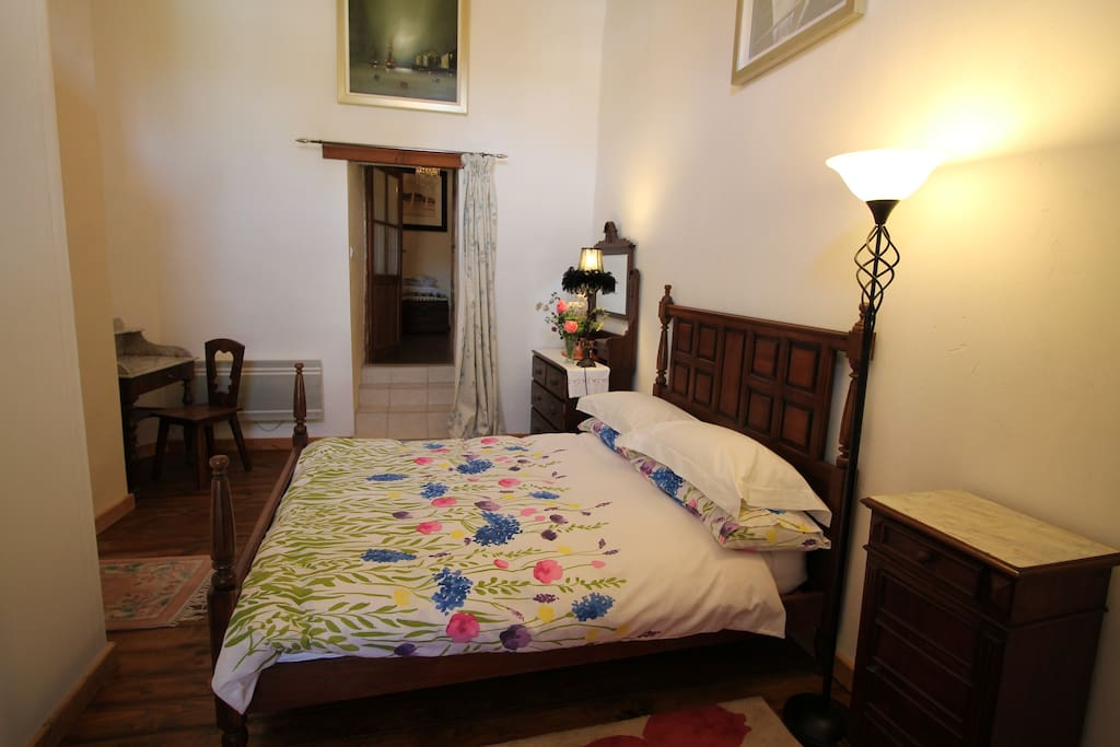 Comfy, private double room at the back of the house