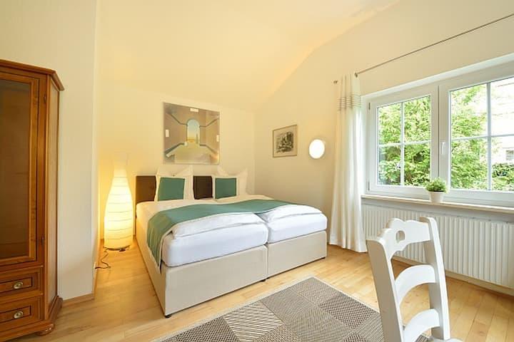 Villa Rana, (Lindau am Bodensee), Appartment Mariposa, 35 qm, 1 Wohn/Schlafraum, max. 2 Personen