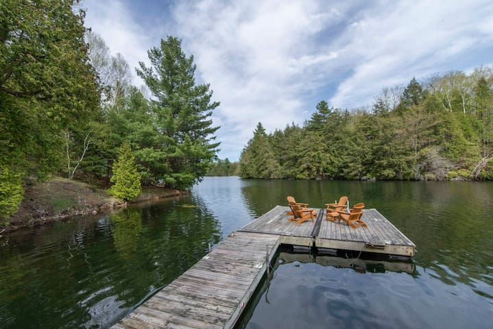 Waterfront Home, Bellows Bay on Big Rideau Lake