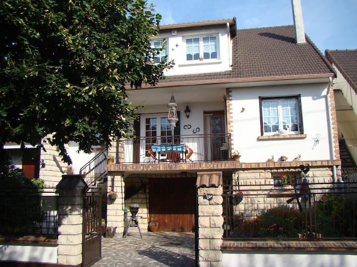 Maison Fleurie / PARIS / ROISSY / Parc des expos