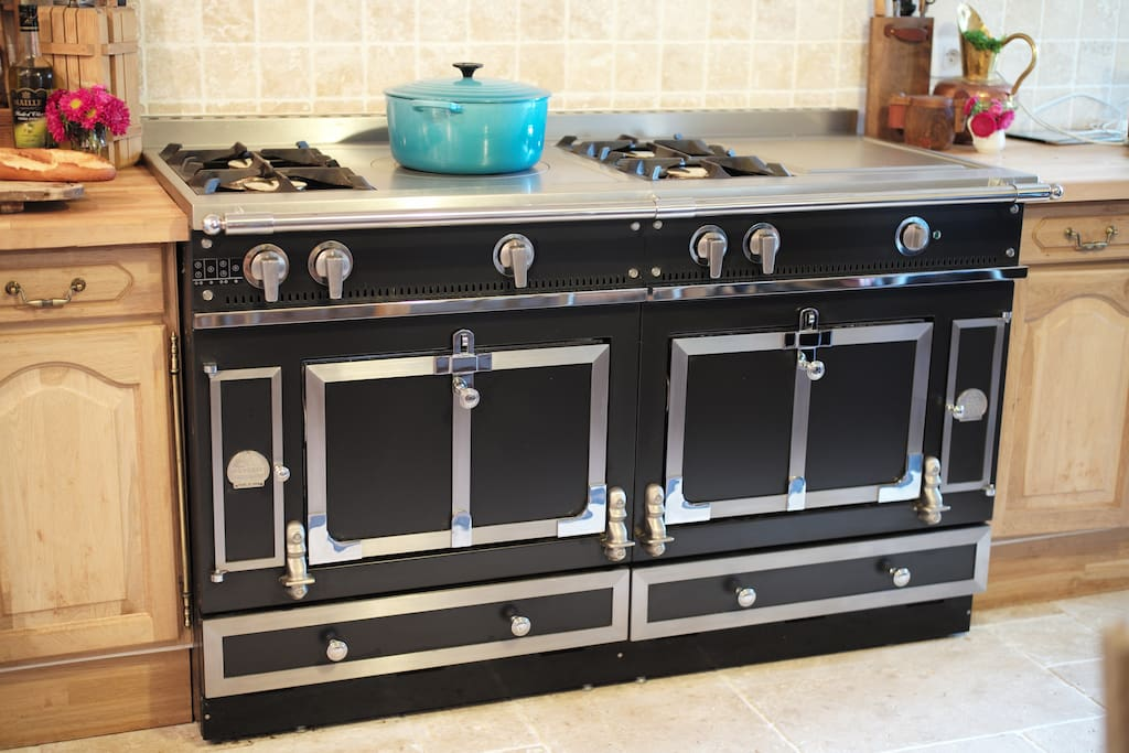 A cook of any level will feel like a chef using this amazing oven.