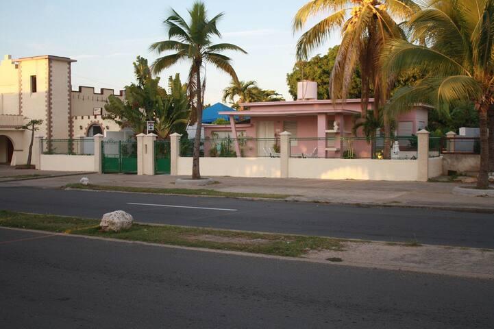 Villa Roynes, un toque de brisa marina
