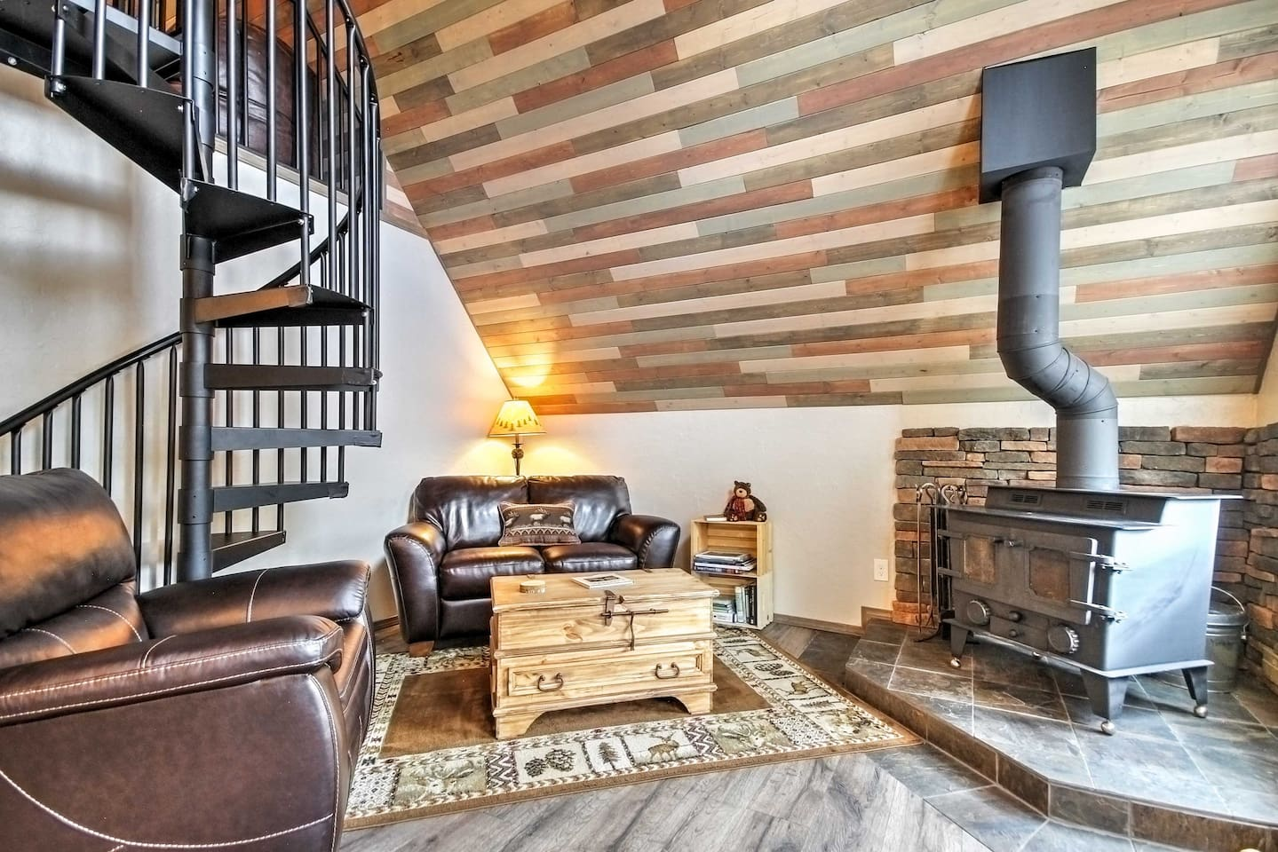 This 1-bed vacation rental is the perfect spot for your Cripple Creek retreat!