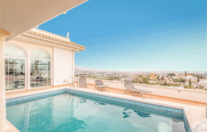 Awesome home in La Cala de Mijas with Outdoor swimming pool and 5 Bedrooms