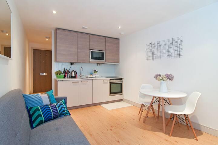 The Wilde riverside studio-flat