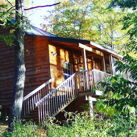 Cozy forest cabin on secluded, quiet lake - Parry Sound - Cabaña