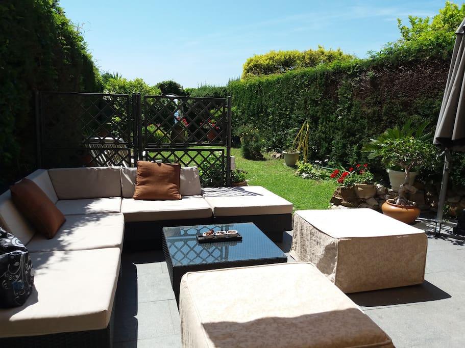 Terrace with private Garten