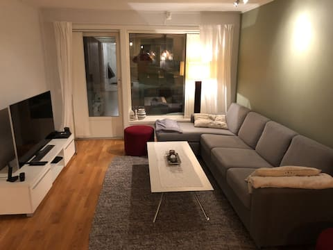 2 bedroom apartment. Walking distance to CityNord