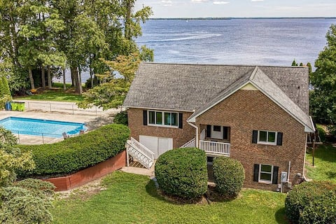 New* The Riverfront Home   PVT Pool   Dwtown 10min