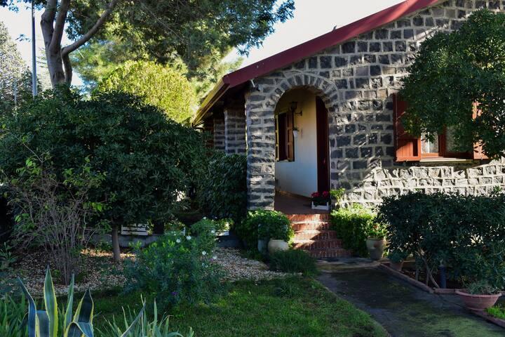 Dani cottage