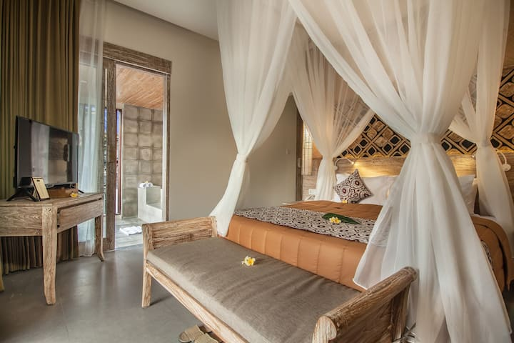 Suite with rice view & terrazzo bathtub in Ubud