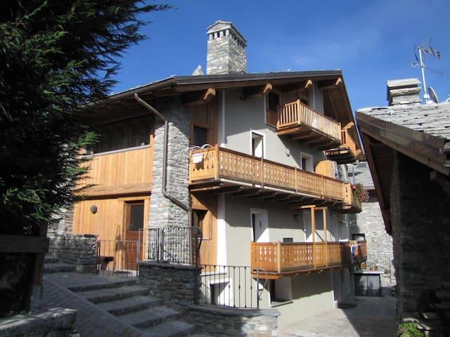 Appartamento in Borgo Storico Pedonale 700 mslm - Saint Maurice - Pis