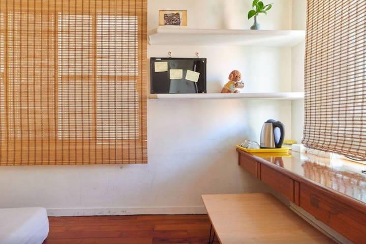 鄰近基隆廟口夜市的日式風格臥室,周圍寧靜安全 - Ren'ai District - Rumah