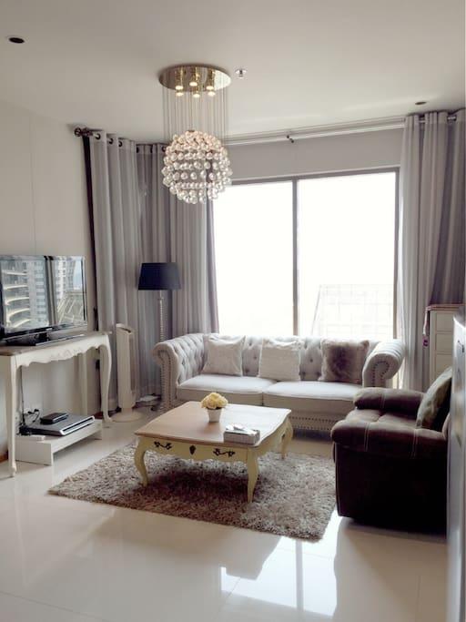 Luxury Living Room with Big Set of Sofa