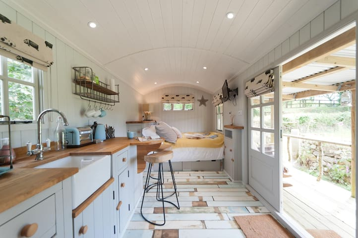 A luxurious Shepherds Hut on a Cornish Farm