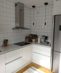 Ljus lägenhet på charmiga Torpa - nära till allt!