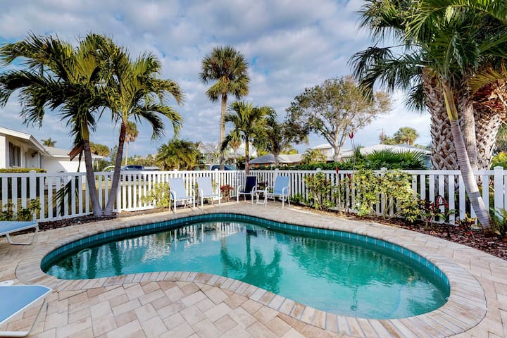 Family-friendly seaside home with private pool - close to beaches & attractions