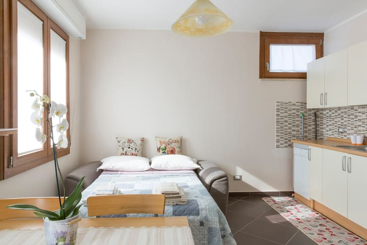 Appartamento Nelly near Garda lake - Sandrà - Leilighet