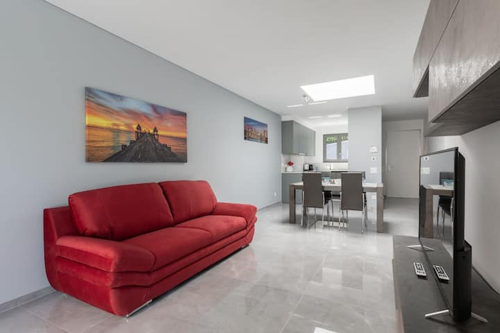 Luxurious with terrace and lake view (PROMENADE 6)