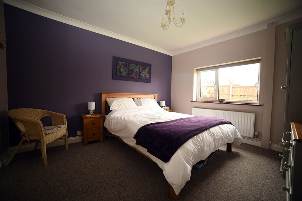 Double room bedroom with en suite