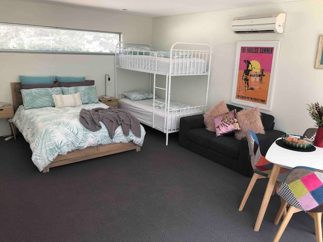 Surf Coast Getaway - Torquay Sleeps 4