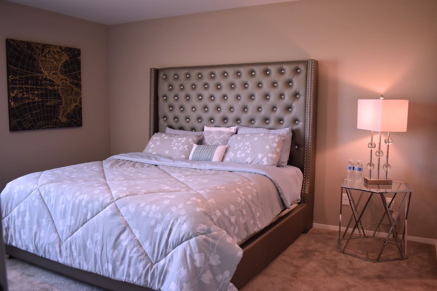 Luxury Private Clean Modern Bedroom, Safe neighb.