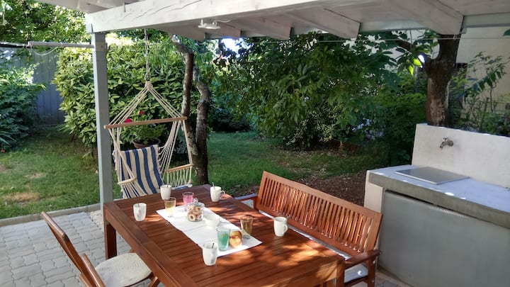 Cozy app in the garden 5 min center away, Opatija