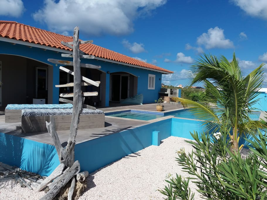 Beautiful villa with private swimming pool houses for rent in kralendijk bonaire caribbean for California private swimming pool code